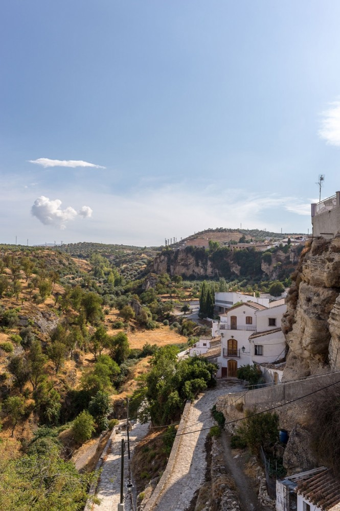 you may visit the Alhama De Granada as an en-route bike tour location, it's a perfect location for the best trail riding tour